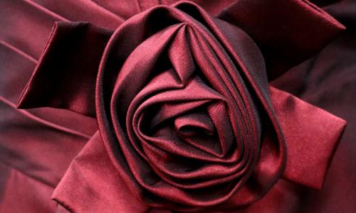 rose aus taft stoff